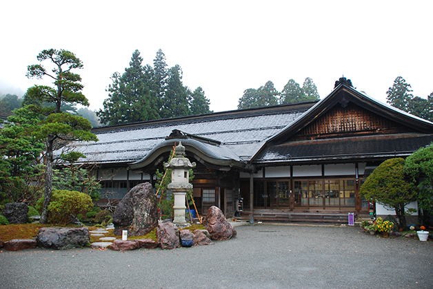 Eko-in, templo donde dormimos en Koyasan. Foto © Patrick Mreyen