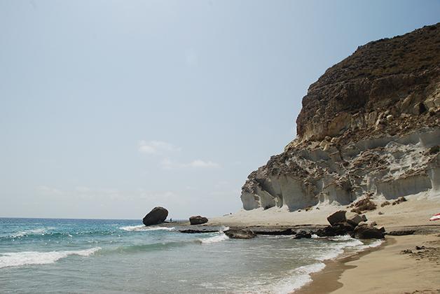 Cala de Enmedio en el Parque Natural Cabo de Gata-Nijar. Foto © Patrick Mreyen