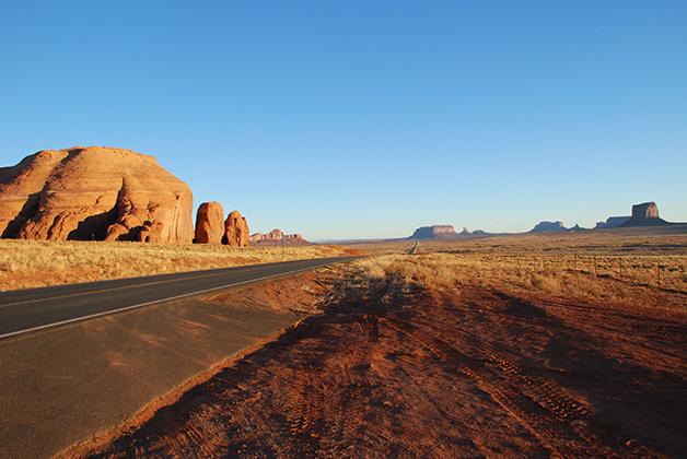 Rumbo al Valle de los Monumentos. Foto © Patrick Mreyen