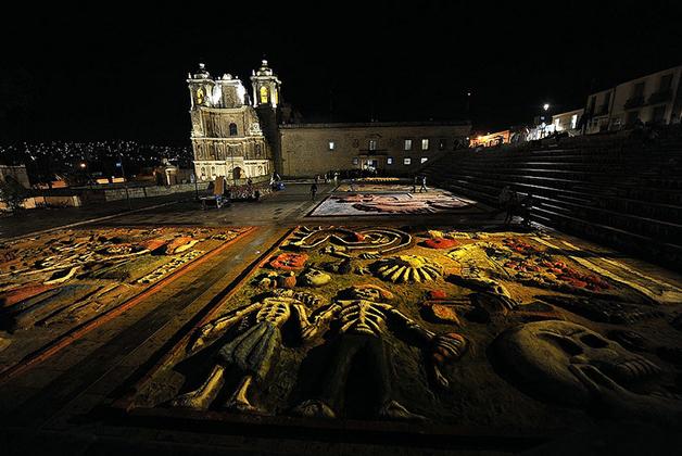 Tapete de arena de Oaxaca. Foto tomada de la página del H. Ayuntamiento de Oaxaca