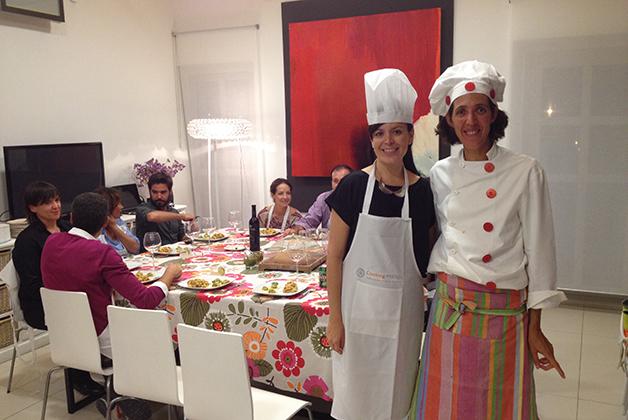 Durante la cena con la chef Rosario Sánchez. Foto © Silvia Lucero