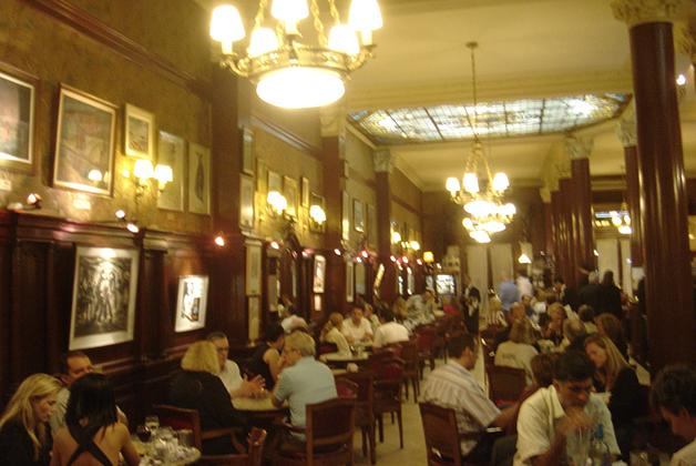 Café Tortoni. Foto © Patrick Mreyen