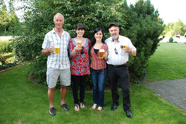 Con mi amiga Vanessa Orozco y nuestros suegros belgas dándonos la bienvenida en Weywertz. Foto © Silvia Lucero