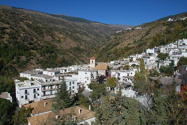 Típico pueblo de la Alpujarra. Foto © Patrick Mreyen