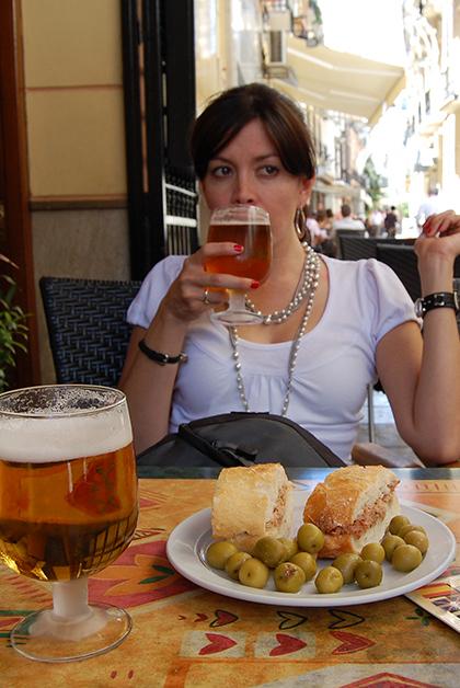 De tapas en Granada. Foto © Patrick Mreyen