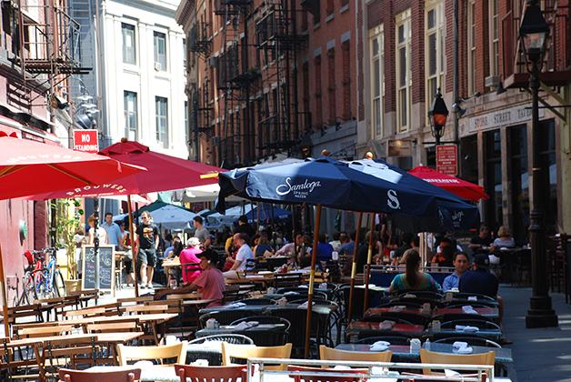 Stone Street en el Distrito Financiero de Nueva York. Foto © Patrick Mreyen