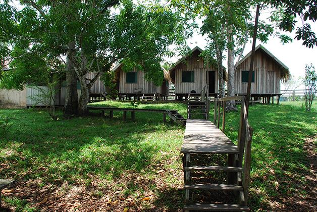 Habitaciones de nuestro hotel-campamento. Foto © Patrick Mreyen