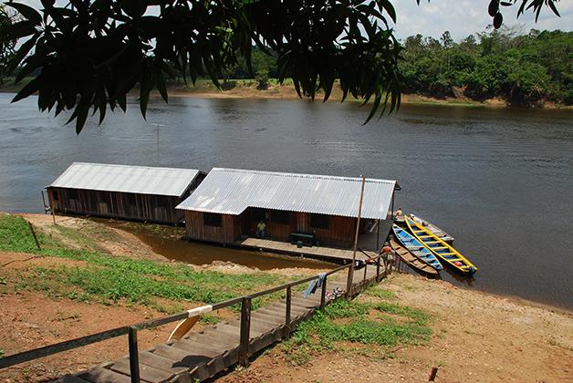 Campamento en el Amazonas. Foto © Patrick Mreyen