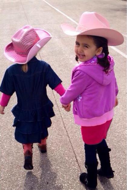 Paulina feliz camino al Rodeo. Foto © Ana Salinas