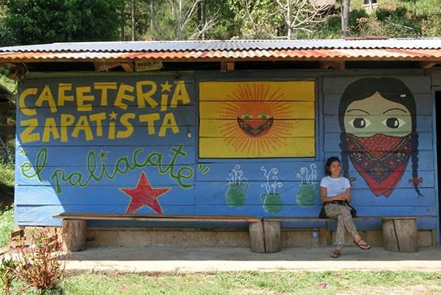 Carla en Chiapas. Foto tomada del Blog Somos un Mundo
