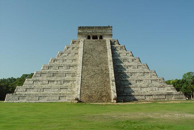 Pirámide de Kukulkán o del Castillo en Chichen Itzá. Foto © Patrick Mreyen