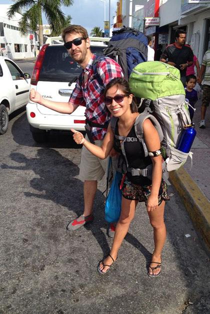 Carla y Román, listos para seguir su viaje. Foto © Patrick Mreyen