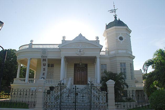 Paseo Montejo en Mérida. Foto © Silvia Lucero