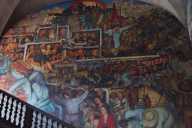 Murales de Diego Rivera en el Palacio Nacional. Foto © Patrick Mreyen