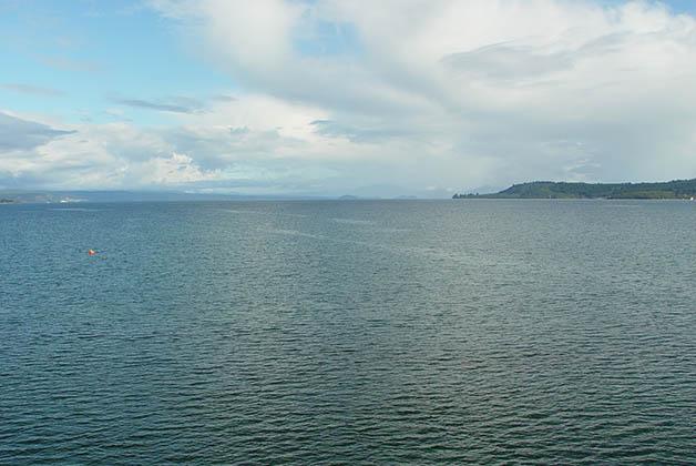 Lago Taupo, el más grande de Nueva Zelanda. Foto © Silvia Lucero