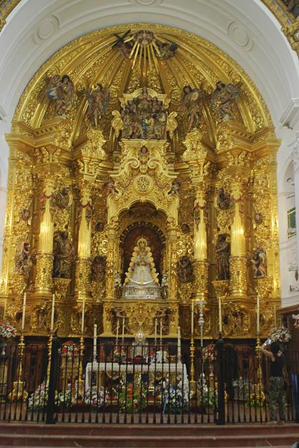 Altar de la Virgen del Rocío. Foto © Silvia Lucero