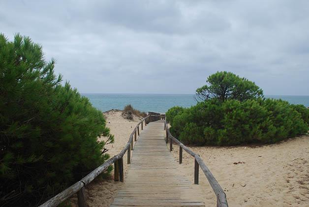 Huelva tiene playas casi desiertas que vale la pena visitar. Foto © Patrick Mreyen