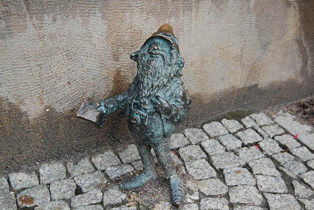 Así encontramos al 'turista', medio perdido con un mapa en la mano y su cámara de fotos. Foto © Silvia Lucero