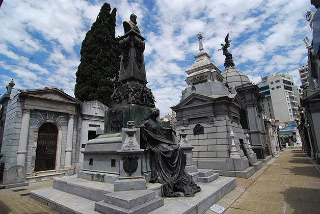Monumento de Francisco Javier Muñiz. Foto © Patrick Mreyen
