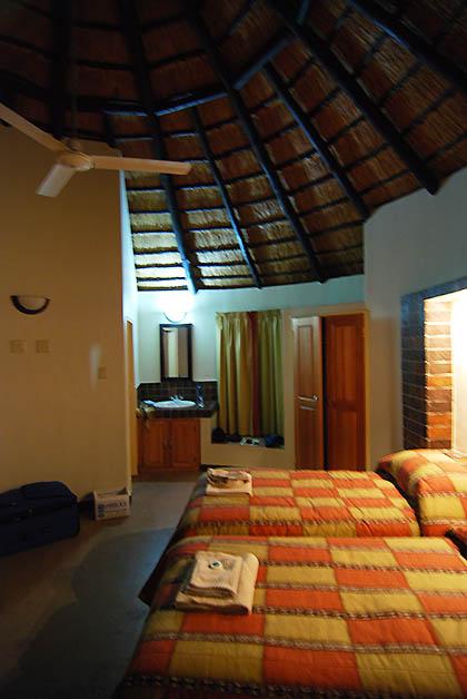 Nuestro cuarto en el campamento de Lower Sabie Rest Camp. Foto © Silvia Lucero