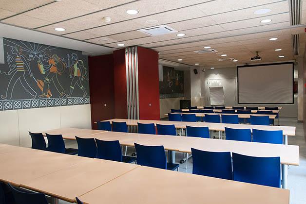 Sala de reuniones. Foto @ Youth Hostel Pere Tarrés