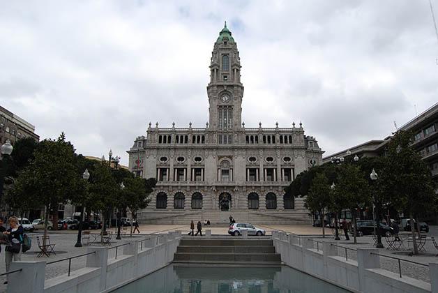 Ayuntamiento de Oporto. Foto © Silvia Lucero
