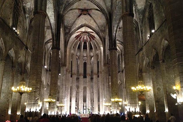 La basílica es el reflejo perfecto de la arquitectura gótica de la época floreciente de Barcelona. Foto © Silvia Lucero
