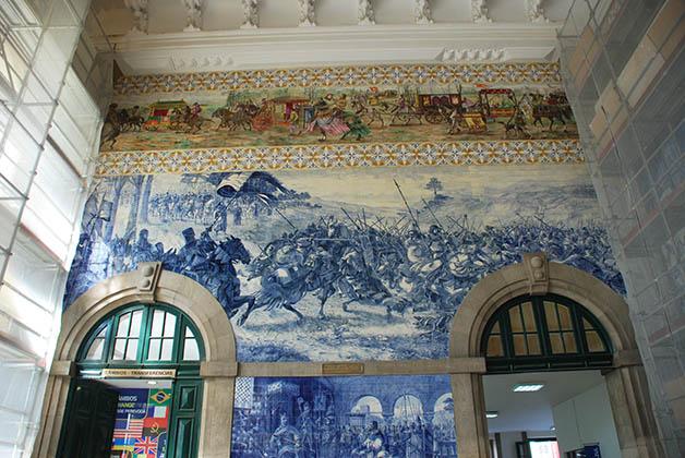 Azulejos de la Estación Sao Bento. Foto © Patrick Mreyen
