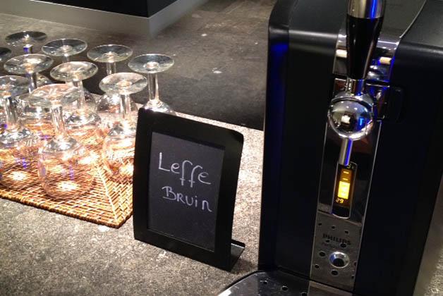 Este lounge lo destaco más que nada porque había cerveza de barril...¡y Leffe! Foto © Patrick Mreyen