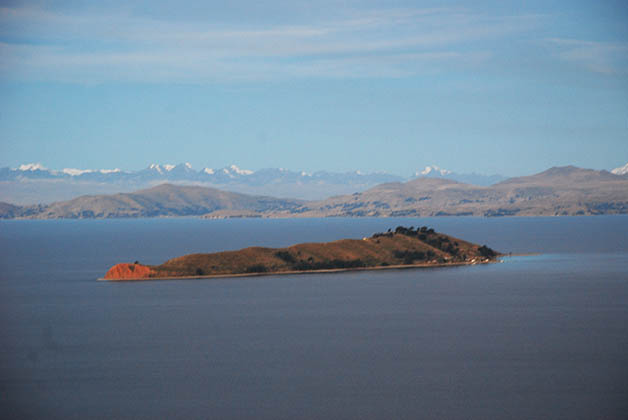 Vista de la Isla de la Luna. Foto © Silvia Lucero