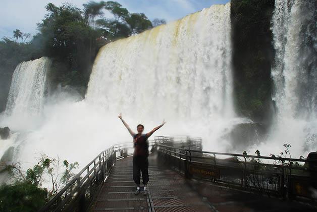 Mirador en las Cataratas de Iguazú. Foto © Patrick Mreyen