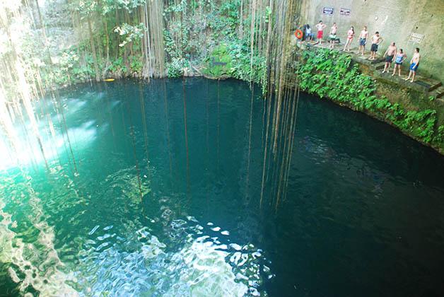 Cenote Ik-Kil. Foto © Silvia Lucero