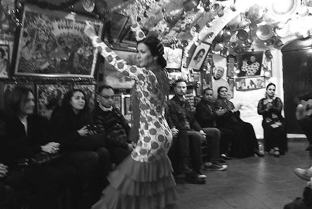 Noche de flamenco en la cueva de María la Canastera. Foto © Silvia Lucero