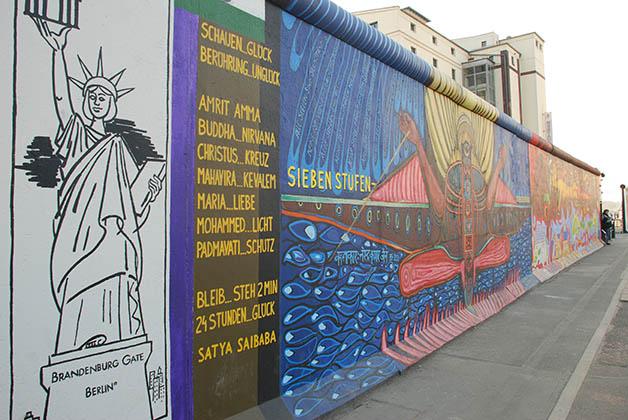East Side Gallery en el Muro de Berlín. Foto © Patrick Mreyen