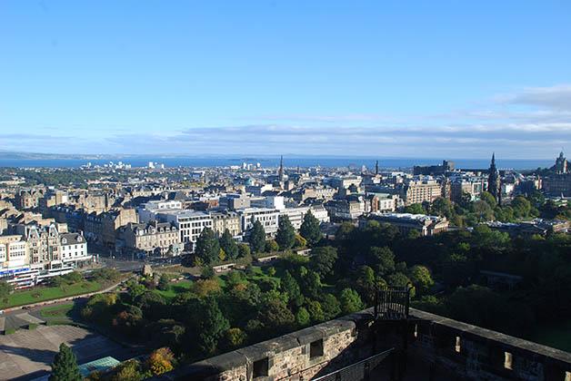 Vistas de Edimburgo desde el castillo. Foto © Silvia Lucero