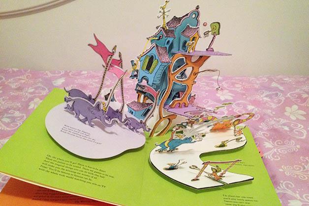 Libro pop-up del Dr. Seuss 'Oh the places you'll go!. Foto © Silvia Lucero