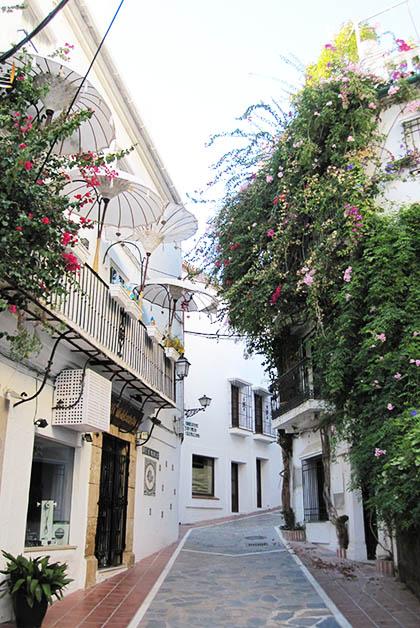 Calle del Casco Antiguo de Marbella. Foto © Silvia Lucero