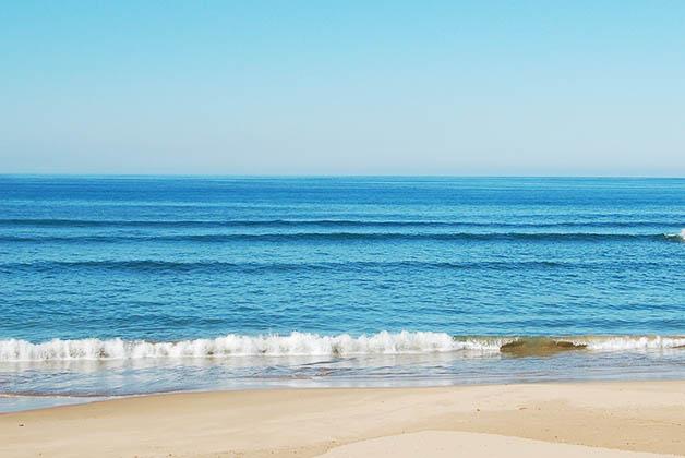 Es un destino muy popular por los europeos por sus playas de arena dorada. Foto © Patrick Mreyen