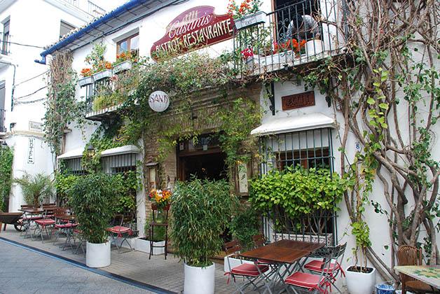 Típico restaurante del Casco Antiguo. Foto © Silvia Lucero