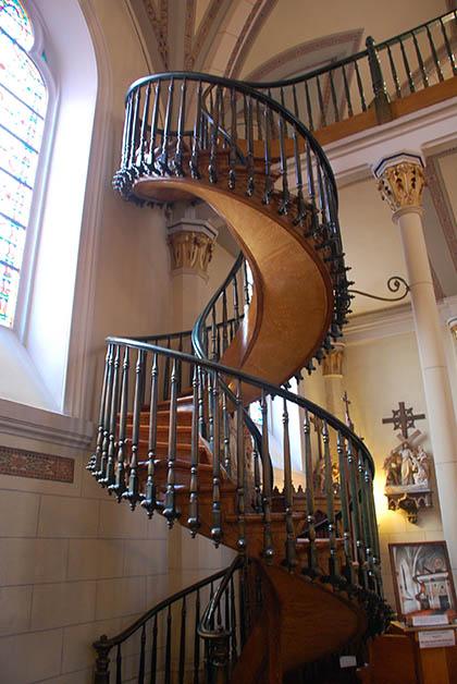 Escalera milagrosa de la Capilla de Loretto. Foto © Patrick Mreyen