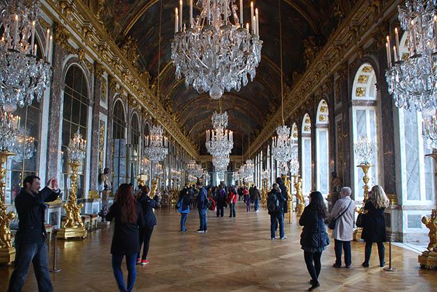 La Galería de los Espejos, una de las salas más impresionantes del palacio. Foto © Patrick Mreyen