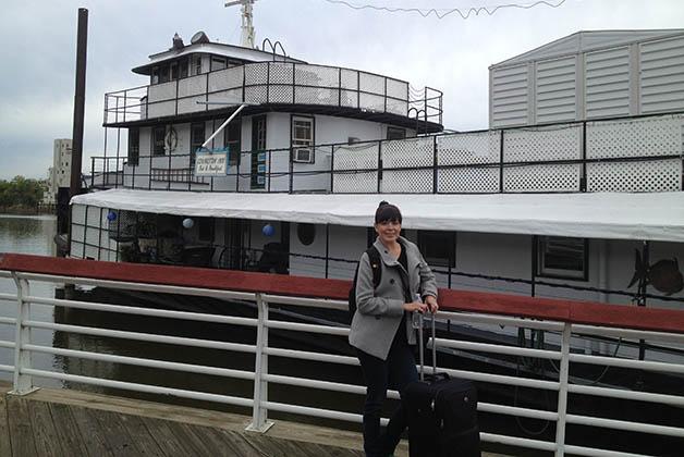 Un barco anclado que funciona como boutique hotel, más original imposible. Foto © Patrick Mreyen