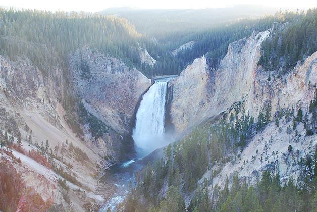 Cascada en el cañón. Foto © Patrick Mreyen