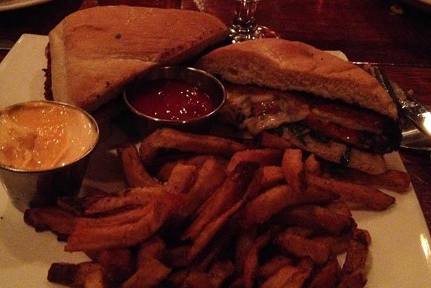 Mi Juicy Lucy, sándwich típico de Saint Paul. Foto © Silvia Lucero