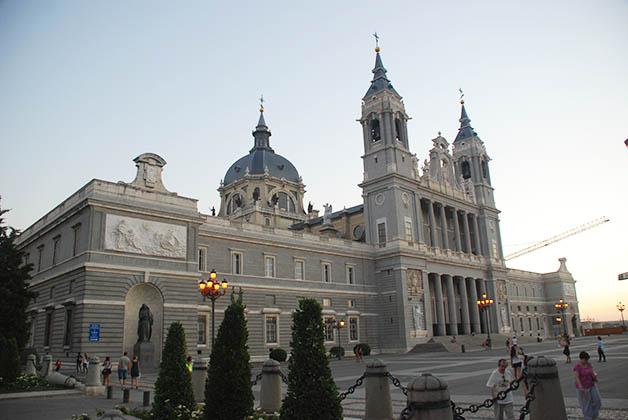 Catedral de la Almudena. Foto © Patrick Mreyen