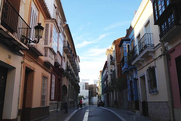 Calle del Centro Histórico de Málaga. ¿No te gustaría hospedarte por ahí? Foto © Silvia Lucero