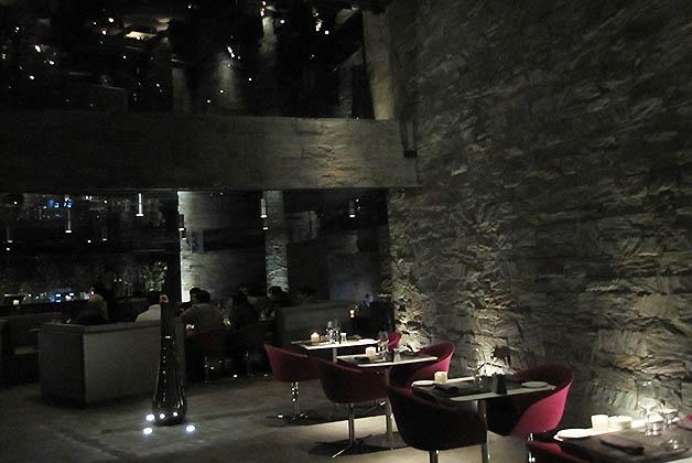Restaurante en la Ville Nouvelle. Foto © Silvia Lucero