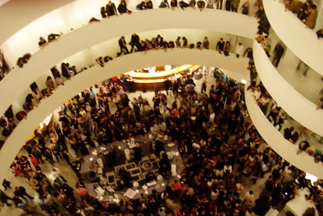 Fiesta en el museo Guggenheim de Nueva York. Foto © Silvia Lucero