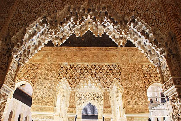 La Alhambra en la ciudad de Granada. Foto © Silvia Lucero