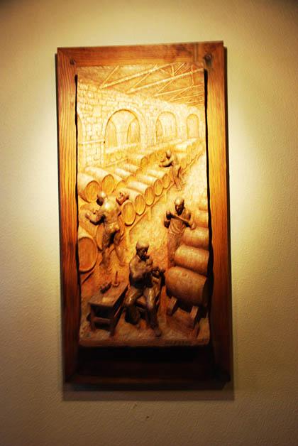 Uno de los relieves del Vía Crucis del VIno. Foto © Patrick Mreyen